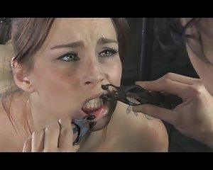 Gratis hennes nya slav porr filmer - lesbisk porr